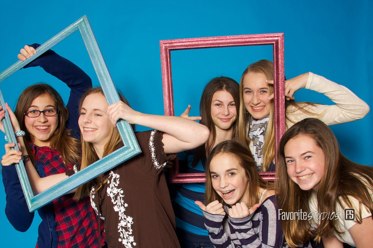 Jacksonville Florida Photographer, SmileStand, Class Party, Fun Silly Props