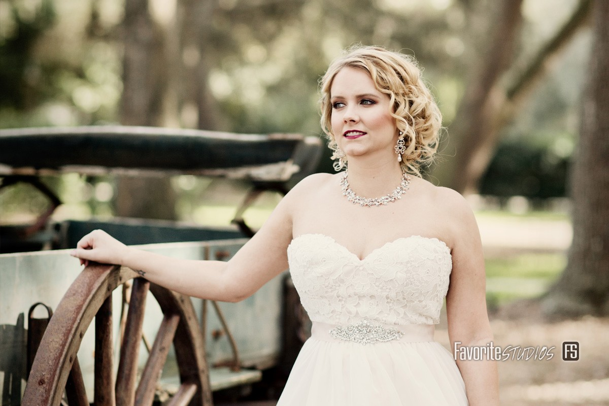 Bowing Oaks Plantation Bride Photo by Favorite Studios Jacksonville Wedding Photographer outdoors at rustic barn venue