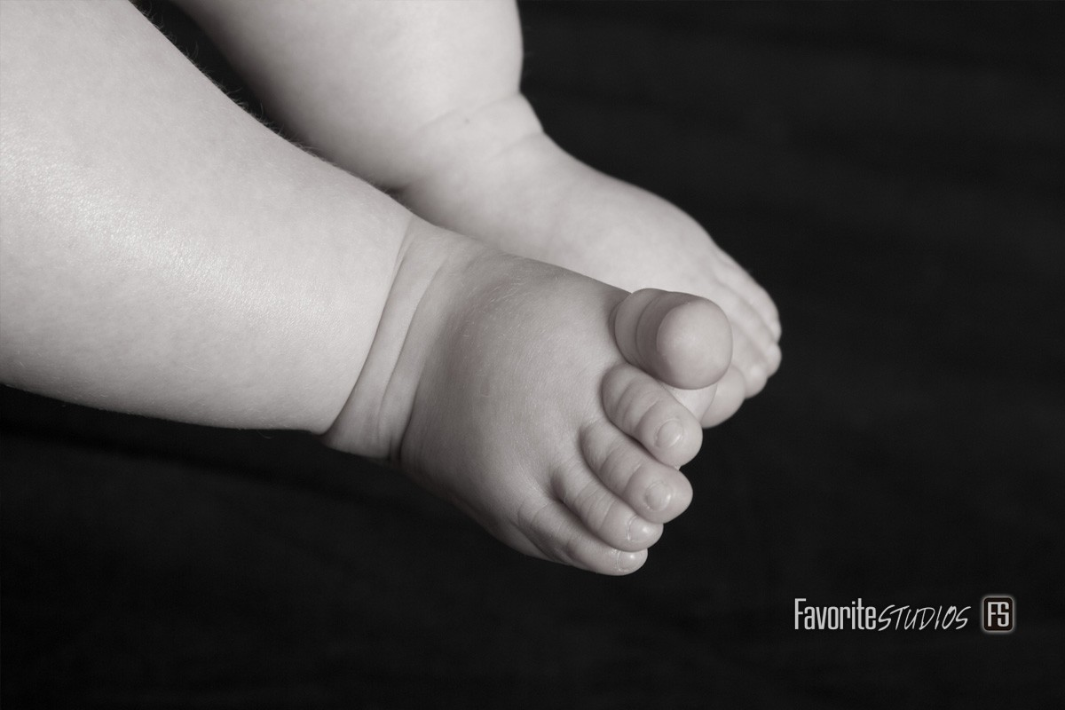 © Favorite Photography, Black and White ,Editorial, Baby Feet, Studio